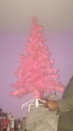 Pink Christmas Tree Perfect For In Swan Close Feltham Preloved