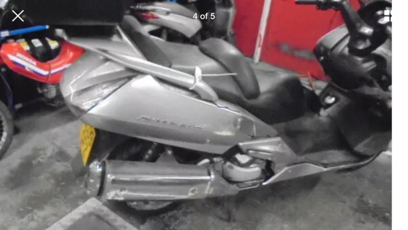 Image 2 of Honda fjs600 silverwing 2009 breaking