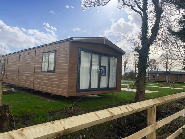 Image 2 of Gorgeous 2 Bedroom Holiday Home Lodge in Lancashire