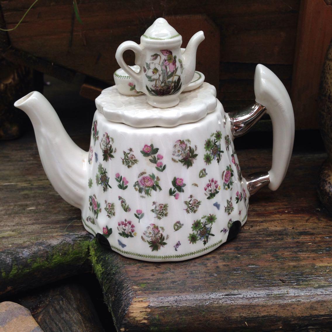 Vintage Cardew Design Tea Shop Teapot Signed Vgc Cardew