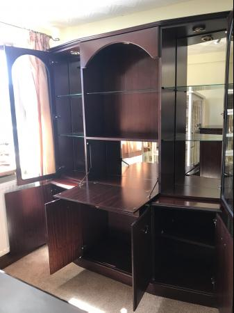 Image 6 of Mahogany display cabinet with lights beautiful cabinet