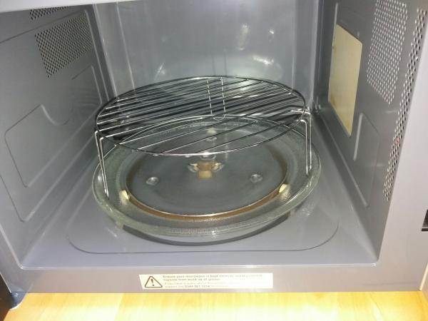 Image 2 of Kenwood Microwave with grill K30GSS13