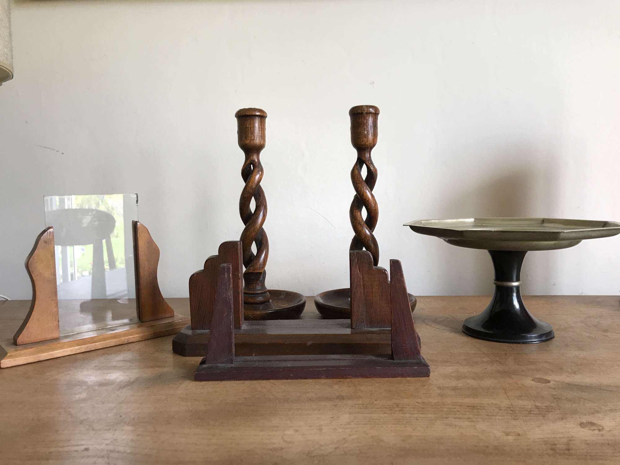 Set of items - High Wycombe, Bucks - Selling as a set or will consider splittingCandle sticks wooden vintage 8.00 the pair Vintage photo frames x3 . One with glass12.00Cake stand 10.00Total as a set 26.00 plus 5.00 postage - High Wycombe, Bucks