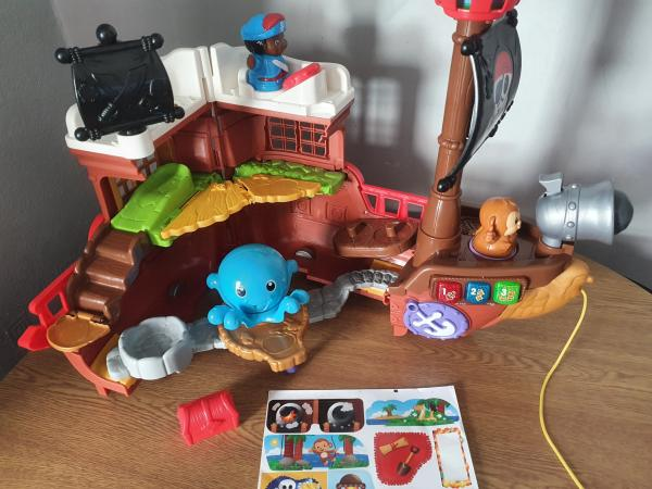 Image 2 of vtech toot toot friends kingdom pirate ship.
