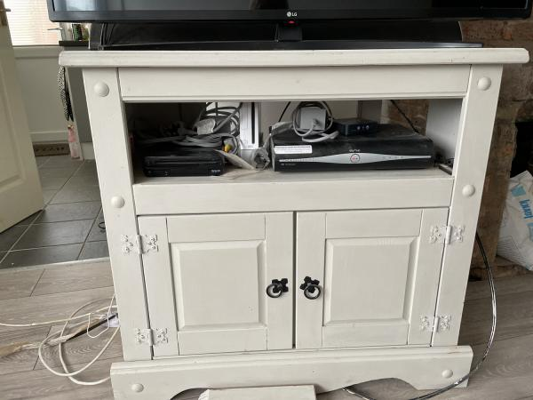 Image 1 of tv cabinet