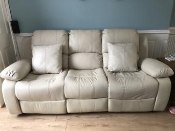 3 Seater Reclining Leather Sofa With 2 Chairs