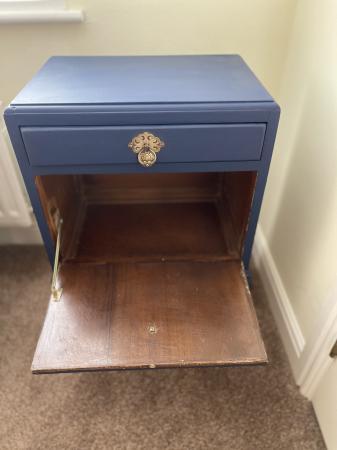 Image 3 of Stunning vintage cabinet