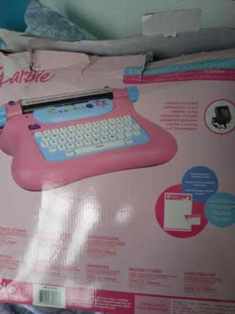Image 3 of Electronic typewriter