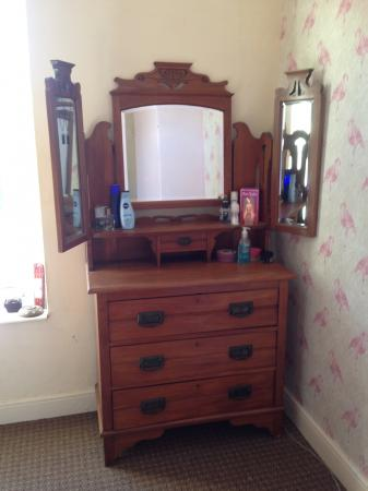 Antique Dresser With Swing Mirrors For Sale In Argyle Street South