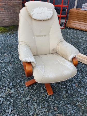 Image 1 of very comfortable chair
