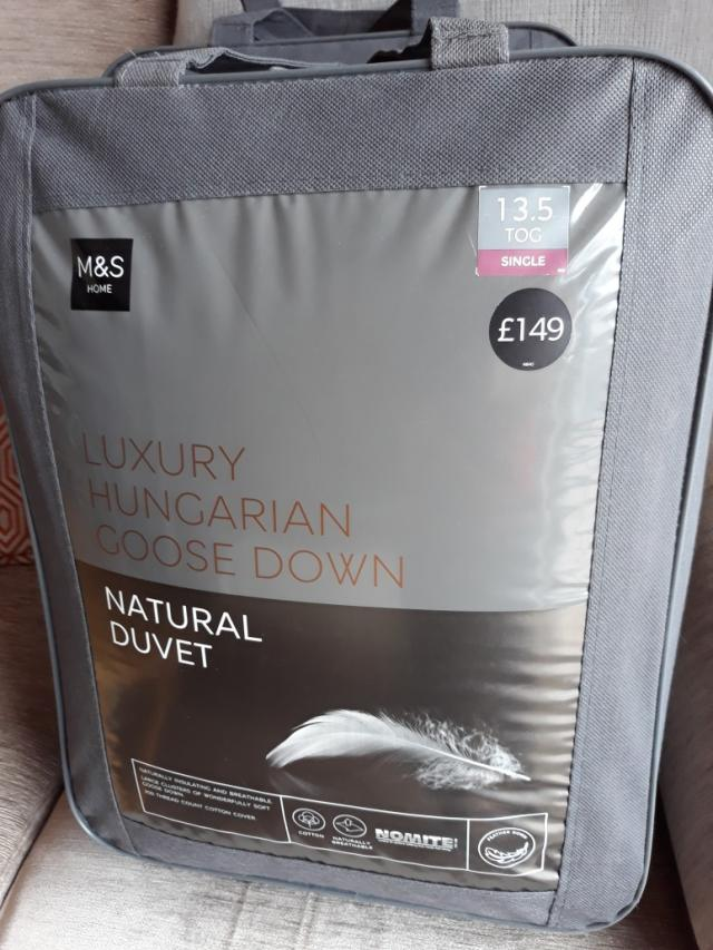 Preview of the first image of Luxury single duvets.