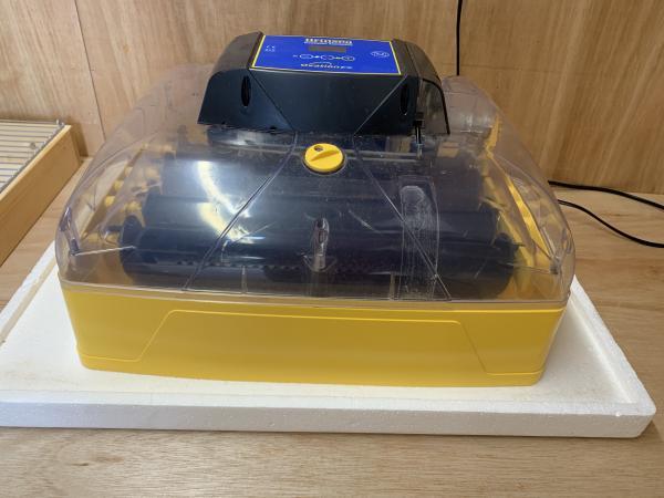 Image 3 of Brinsea Ovation 28 EX incubator