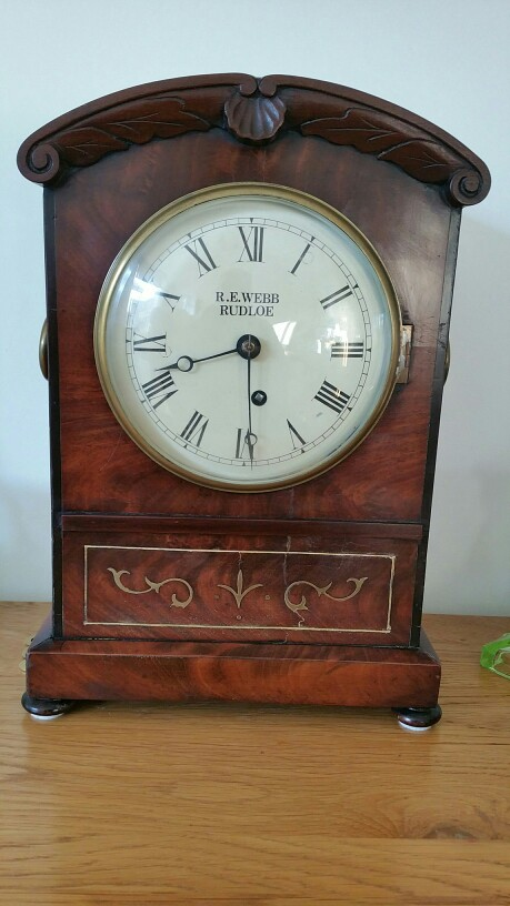 Antique mantelpiece clock