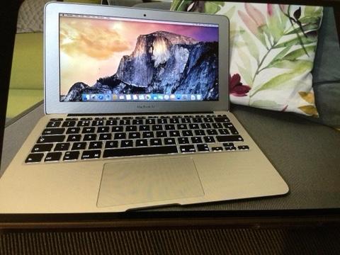 Image 3 of Apple Mac Air