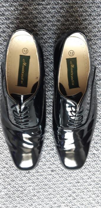 c15f70000b3 Mens Black italian styled Montecatini formal dress shoe.
