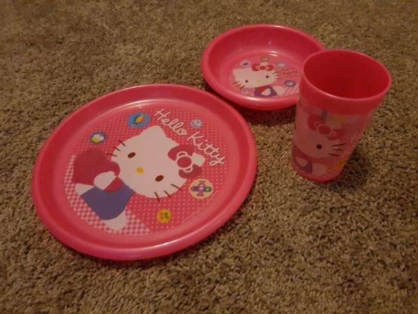 Image 2 of Hello Kitty plate, dish and beaker set