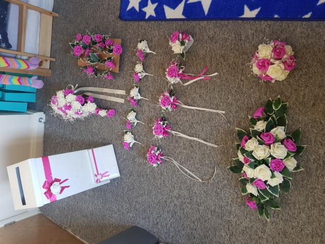 Preview of the first image of Wedding flowers.