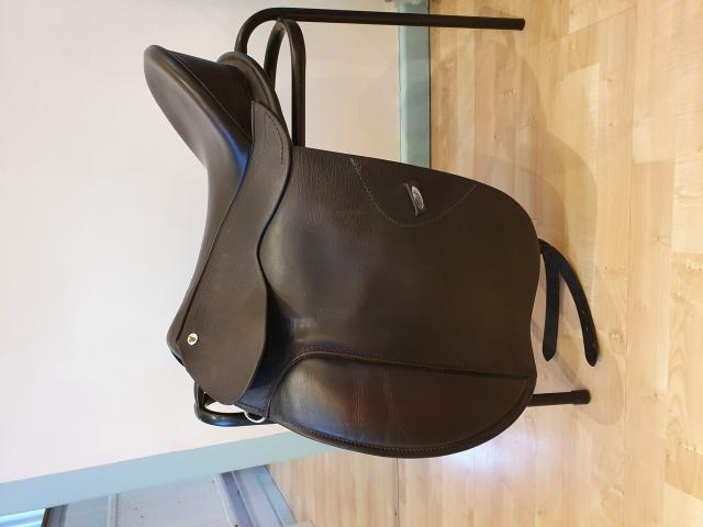 Preview of the first image of SMART native dressage saddle.