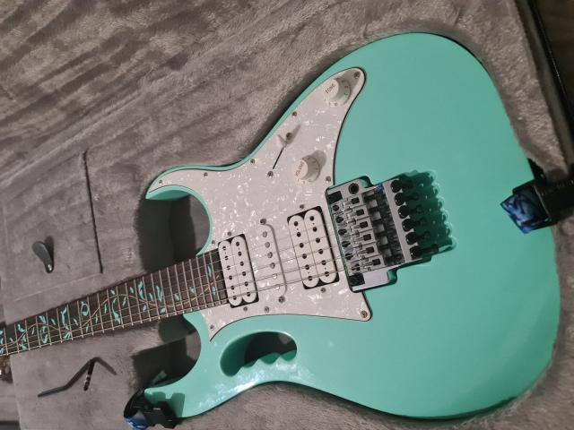 Preview of the first image of Ibanez Jem70v-SFG.
