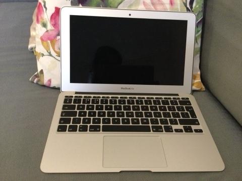 Image 2 of Apple Mac Air