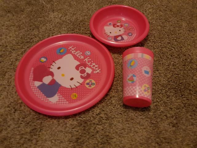 Preview of the first image of Hello Kitty plate, dish and beaker set.