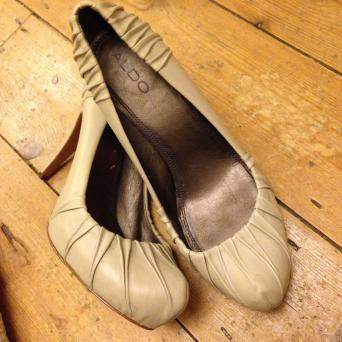 Gorgeous Aldo Shoes Size 5