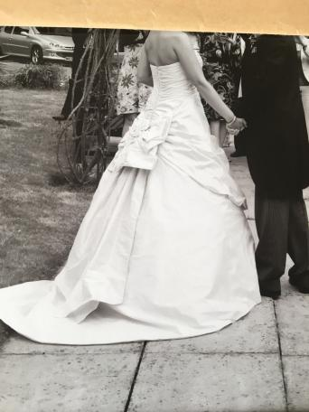 ian stuart - Second Hand Wedding Clothes and Bridal Wear, Buy and ...