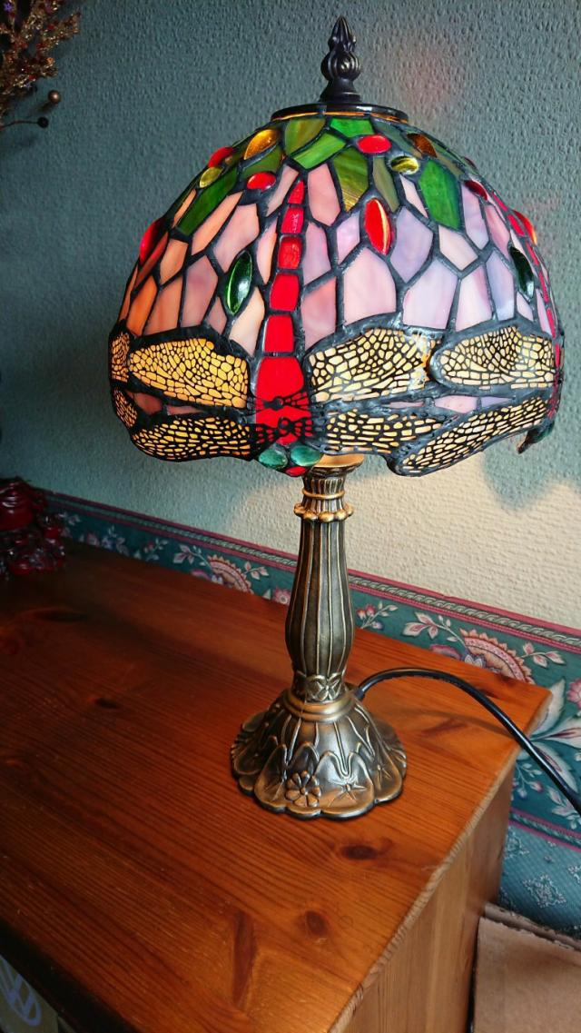 Preview of the first image of Tiffany style table lamp new.