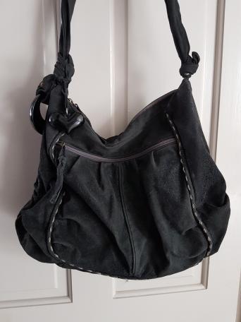 Nica Handbag Black Textured With Purple Lining