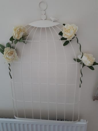 Bird cage second hand wedding decorations and accessories buy used to display my table plan for our wedding is currently decorated with 4 cream peonies but these are only twisted on and can be removed easily junglespirit Images