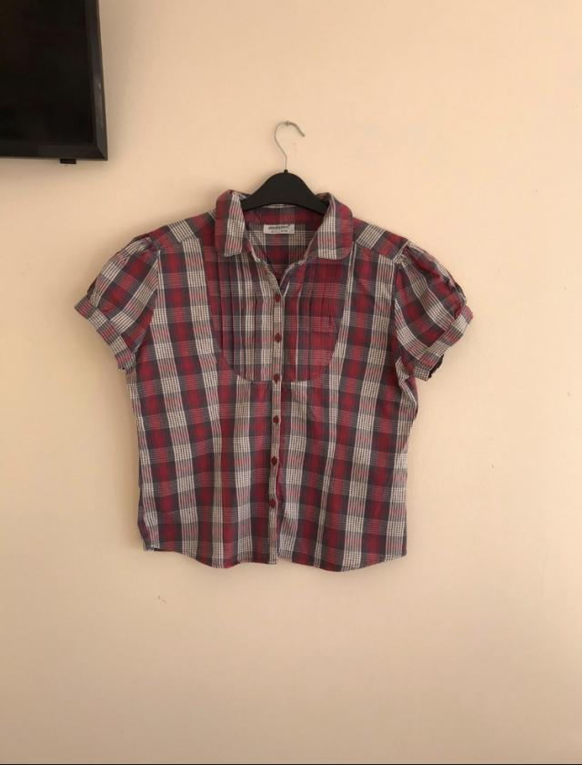 Preview of the first image of Women's size 14 check shirt.