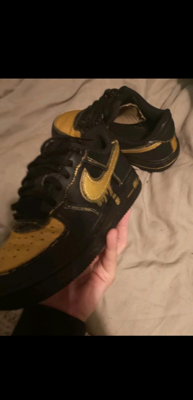 Preview of the first image of air force 1.