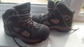 9ca4dd37de5 hiking boots - Second Hand Kids Items | Preloved