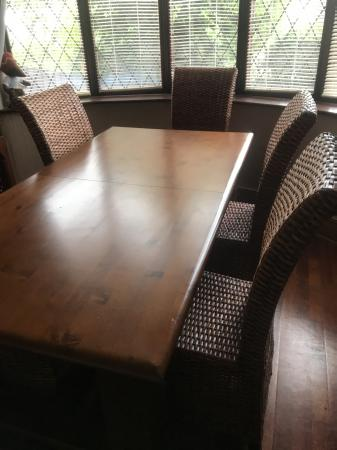 Image 2 of Extendable Dining table and 6 chairs