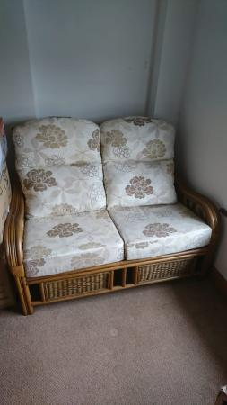 Image 3 of Wicker conservatory suite £300 ONO